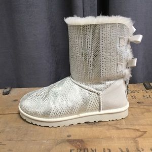 Ugg Bailey Bow Boots 8 Shearling Leather Metallic